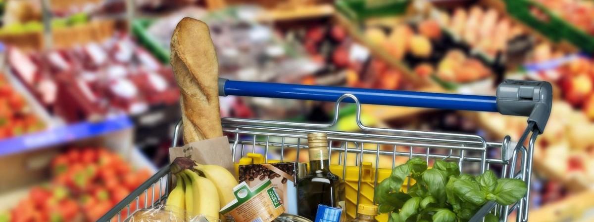 Продукти в Україні вже дорожче, ніж у Польщі. Експерт порівняв ціни