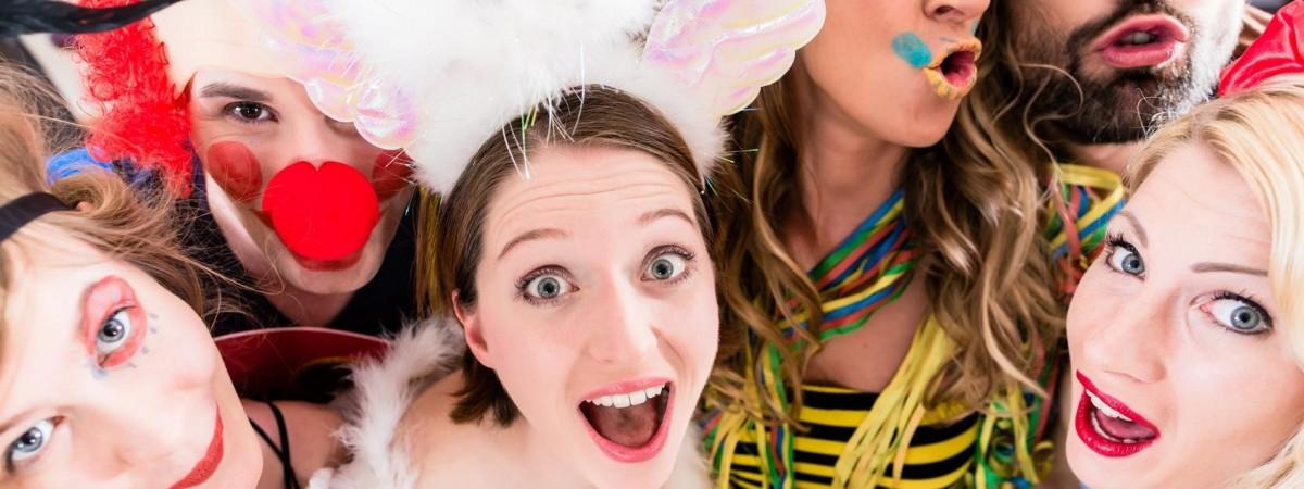 """Традиції карнавалу в Польщі: """"запусти"""", """"остатки"""" та шал від оселедця"""