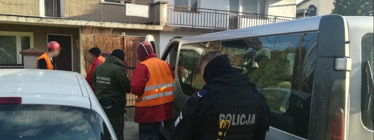 Массовую проверку украинских работников устроили в Тарнове: результат - нетипичный