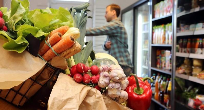 5 торговых новинок в Польше: меньше пластика, живых карпов и не только это