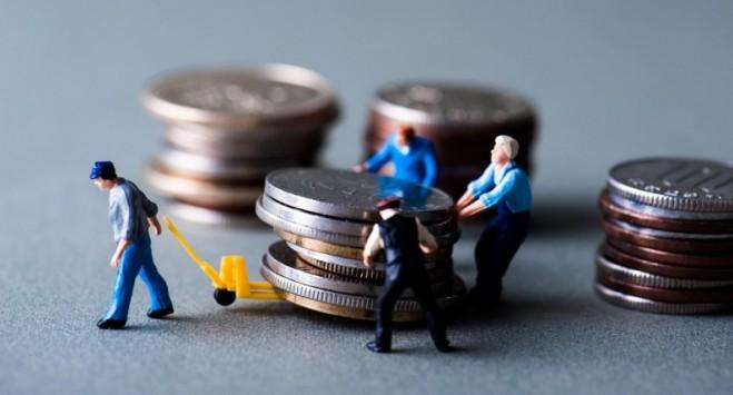 У Польщі порахували, скільки грошей отримали з кишень українців
