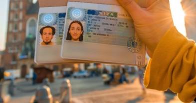 У Польщі викрили чергових ділків, які заробляли на фіктивних дозволах на роботу для українців