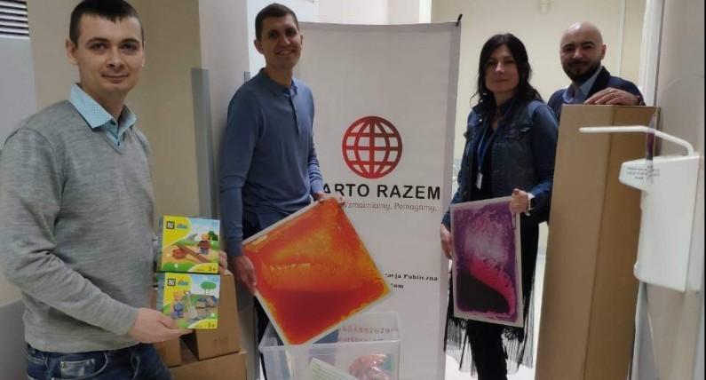 Там допомагають українцям: про команду однодумців, яка полегшує життя мігрантів у Польщі