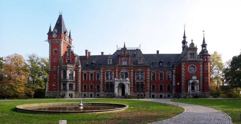Дворец в Плавновицах